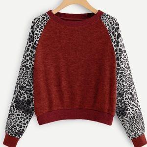 Tops - Silky Leopard Print Sleeves Burgundy Sweatshirt M